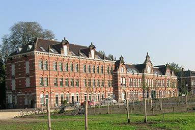 Project-33-Stadsdeelkantoor-Westergasfabriek-in-Amsterdam